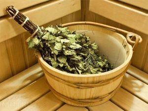 Как правильно запаривать веник для бани